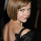 short-hairstyle-with-fringes-in-the-nape