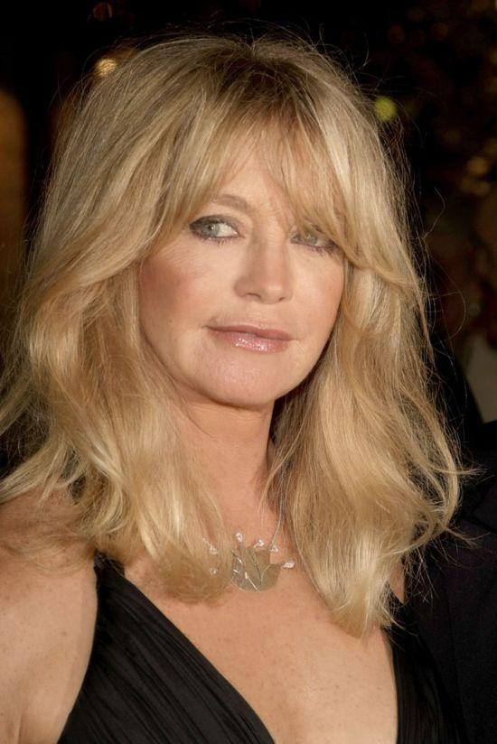 Голди Хоун не изменяет своему стилю