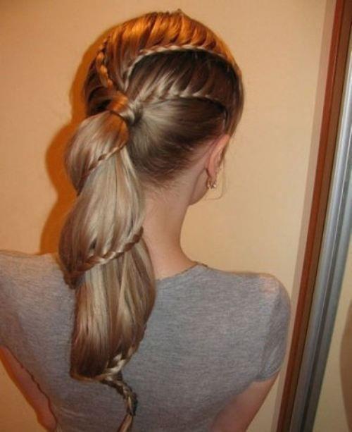Фото причесок на длинные волосы для дома