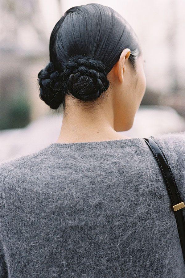 прическа на длинные волосы бублики