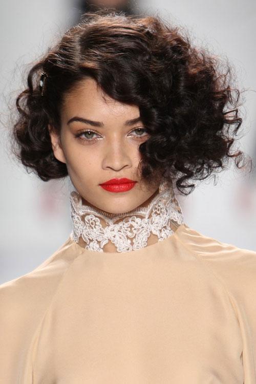 Укладки для вьющихся волос