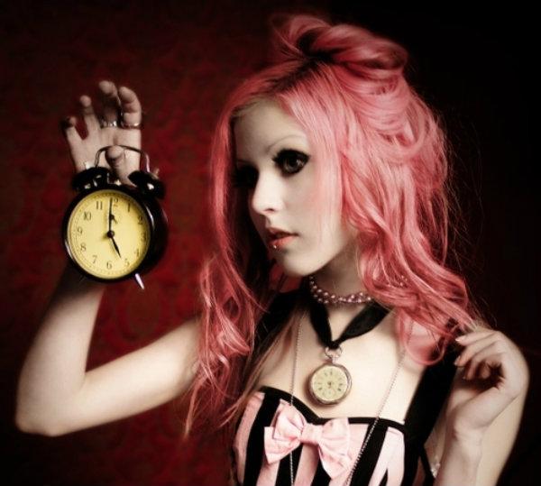 Тонкости окрашивания волос: важность времени
