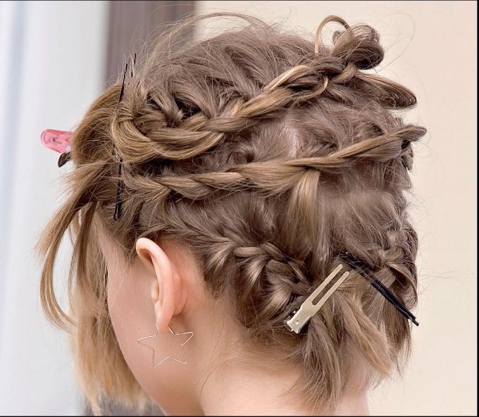 Косички на короткие волосы: фото 1