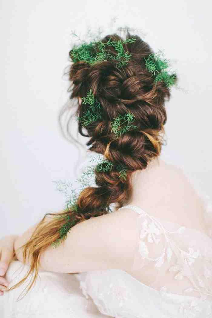 Свадебная прическа 2016: фото 21