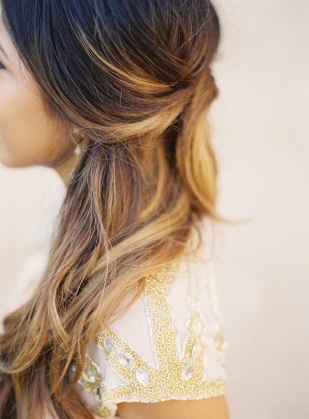 свадебные прически на полураспущенные волосы: фото 10