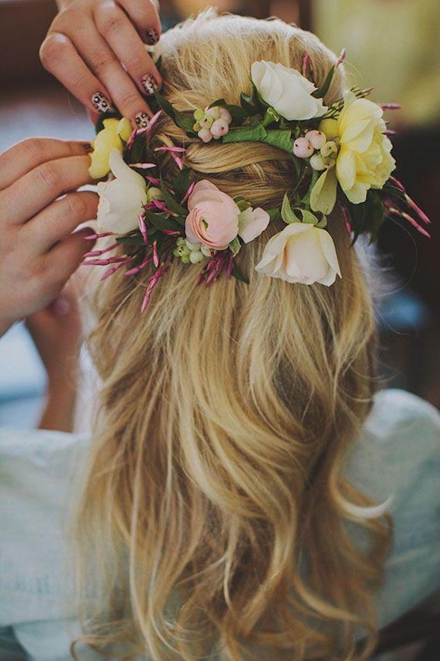 свадебные прически на полураспущенные волосы: фото 12