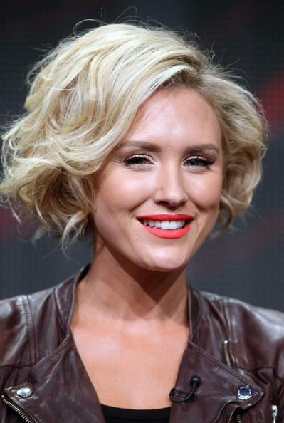 17 идеальных стрижек для блондинок: Ники Уилан
