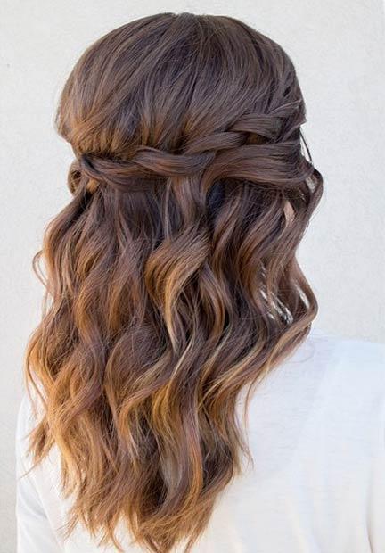 Прически на полураспущенные волосы: фото 24