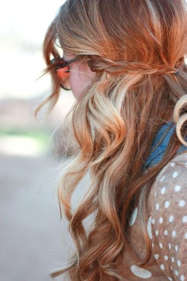 Прически на полураспущенные волосы: фото