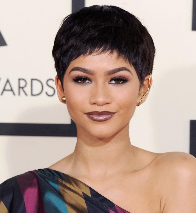 Стрижки для черных волос: Зендайя
