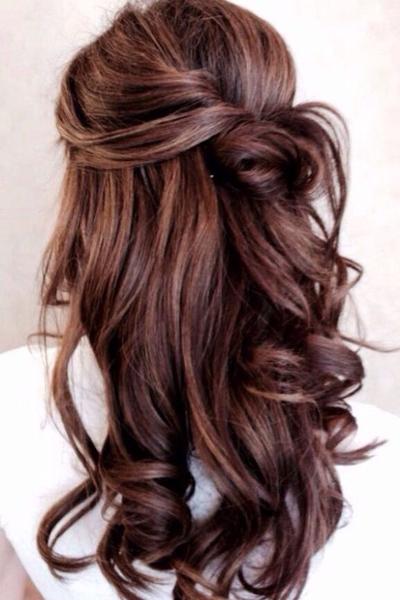прическа с полураспущенными волосами