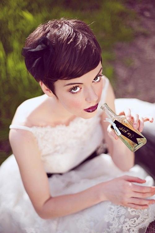 свадебные прически на короткие волосы: фото 49