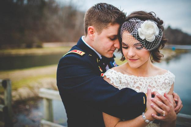 Лучшие свадебные прически на короткие волосы: фото 17