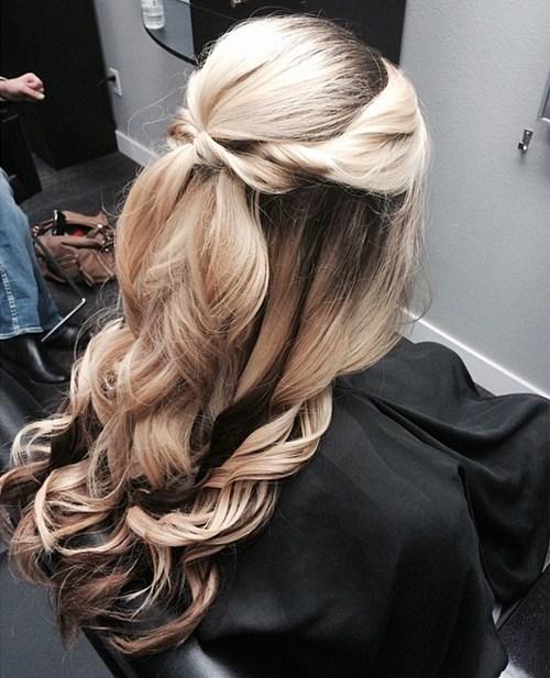 прически на средние волосы: фото 1