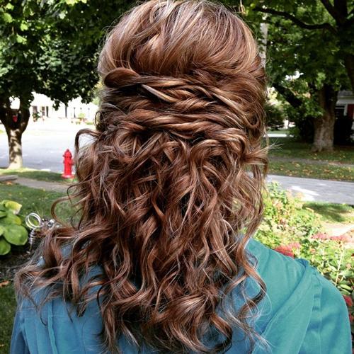прически на средние волосы: фото 2