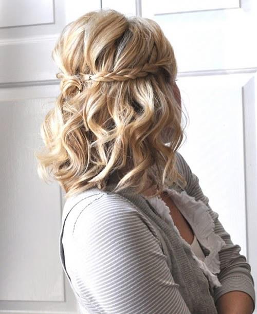 прически на средние волосы: фото 11