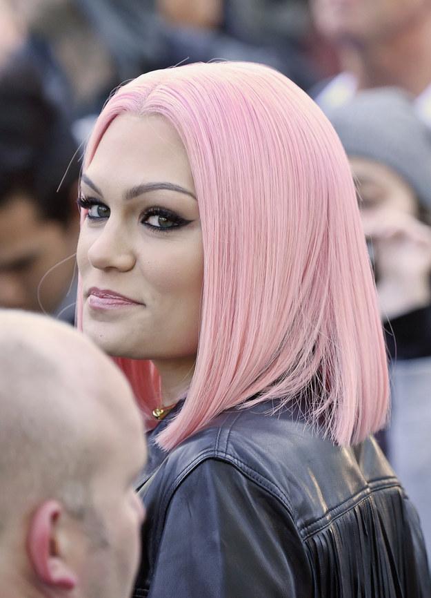 Цветные волосы знаменитостей: фото 23