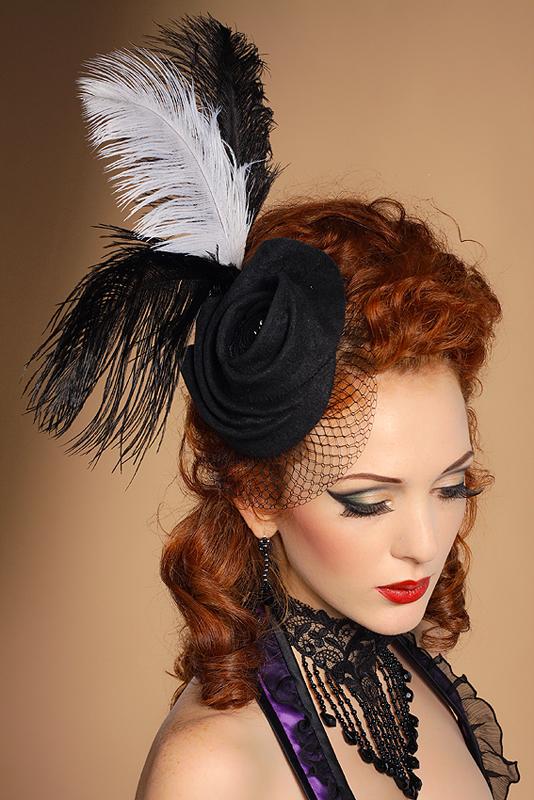 Шляпа с перьями своими руками 46