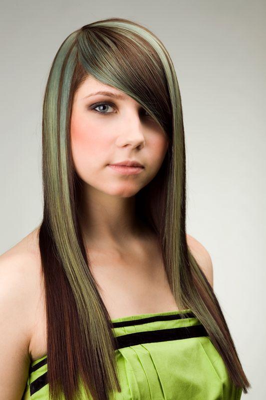 Зеленый оттенок волос