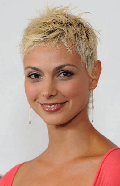 короткая стрижка и женственные черты лица фото 3