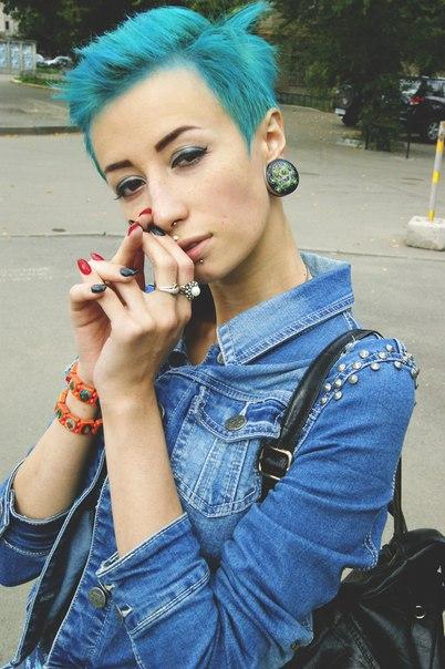 синяя стрижка