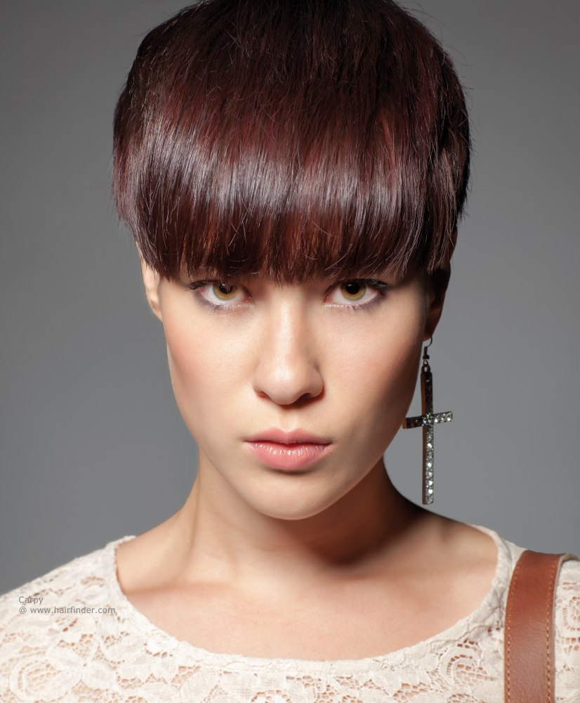thick-wide-fringe-hairstyle