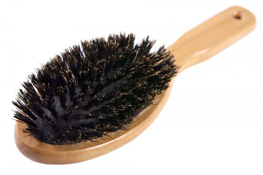 wood-handle-brush
