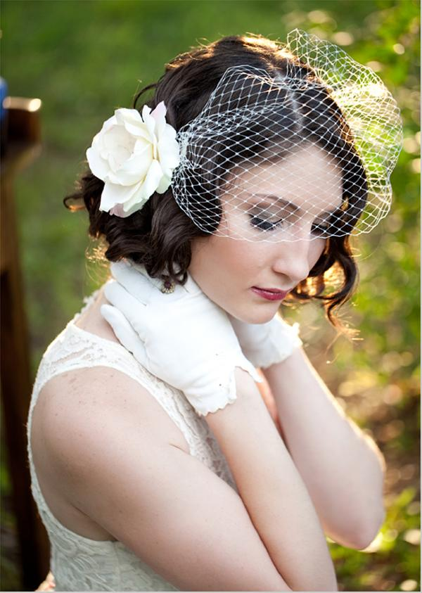 Свадебные прически на средние волосы: 25 фото - Подбор ...: https://24hair.ru/svadebnyie-pricheski-na-srednie-volosyi-25-foto/