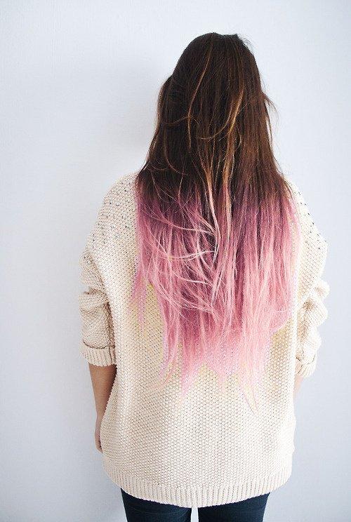 светло-розовое омбре на каштановые волосы