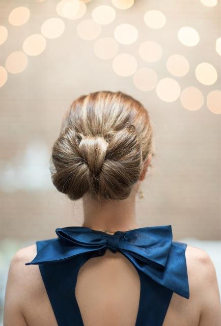 прическа бант из волос16