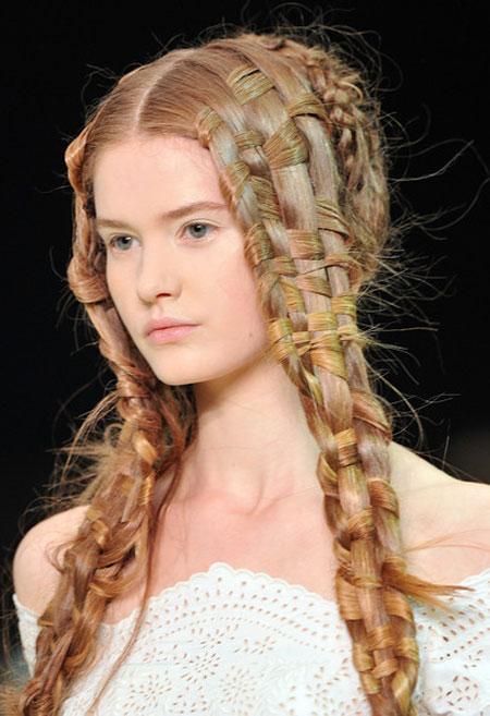вечерние прически на длинные волосы21