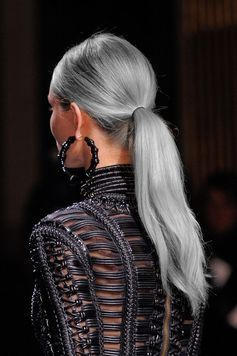 седой цвет волос фото 2