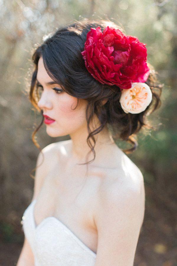 Прически с цветами