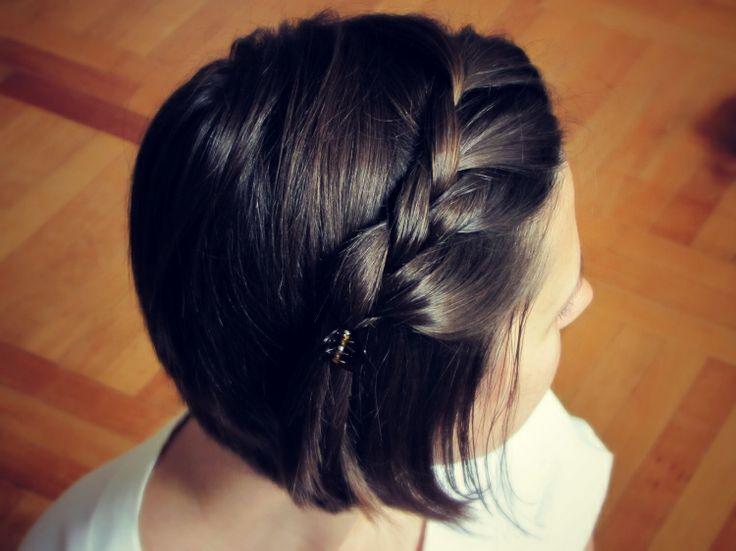 Косички на короткие волосы: фото 18