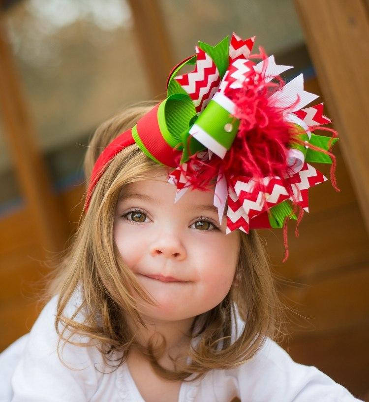 Новогодние прически для девочек: фото 31