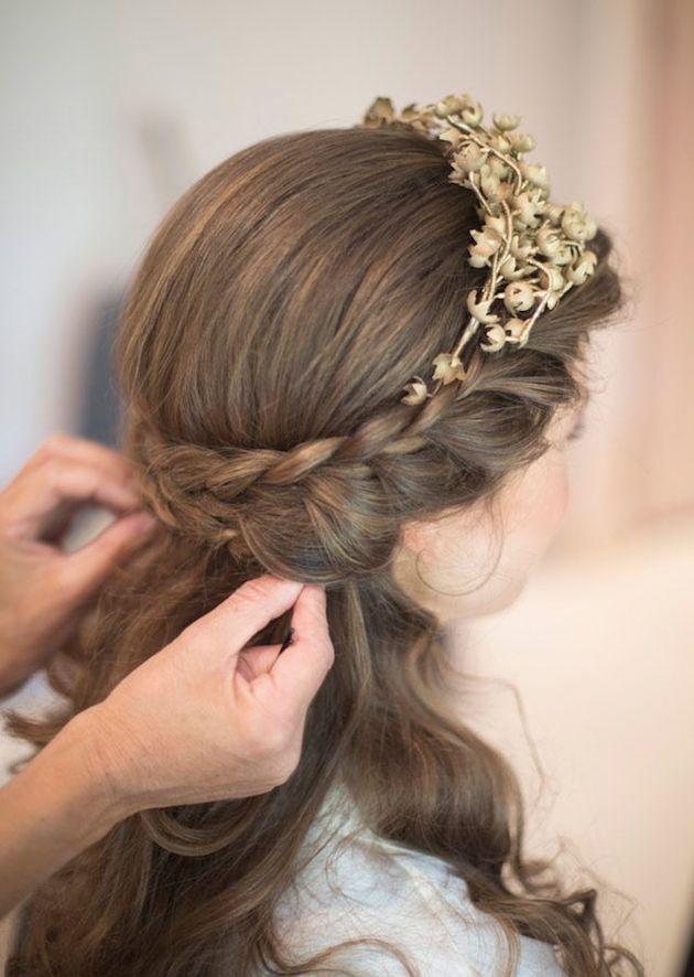 свадебные прически на полураспущенные волосы: фото 5