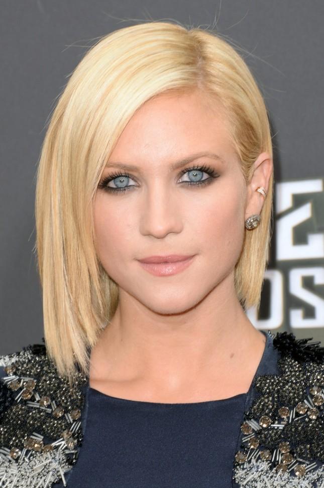 17 идеальных стрижек для блондинок: Бриттани Сноу