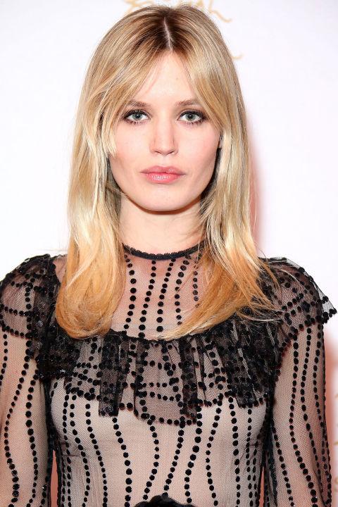 17 идеальных стрижек для блондинок: Джорджия Мэй Джаггер