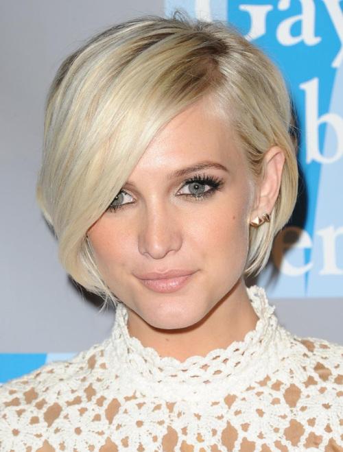 17 идеальных стрижек для блондинок: Эшли Симпсон