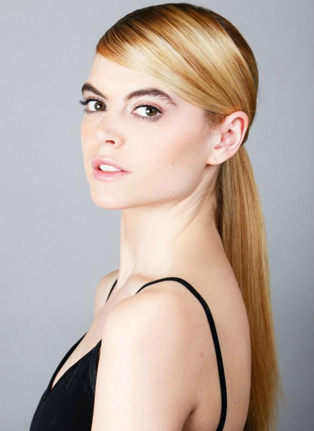 Прически с зализанными волосами: фото 13