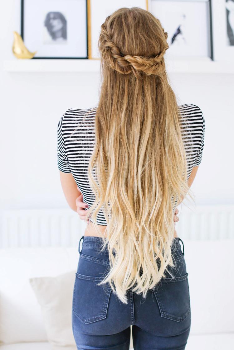 Прически на полураспущенные волосы: фото 48