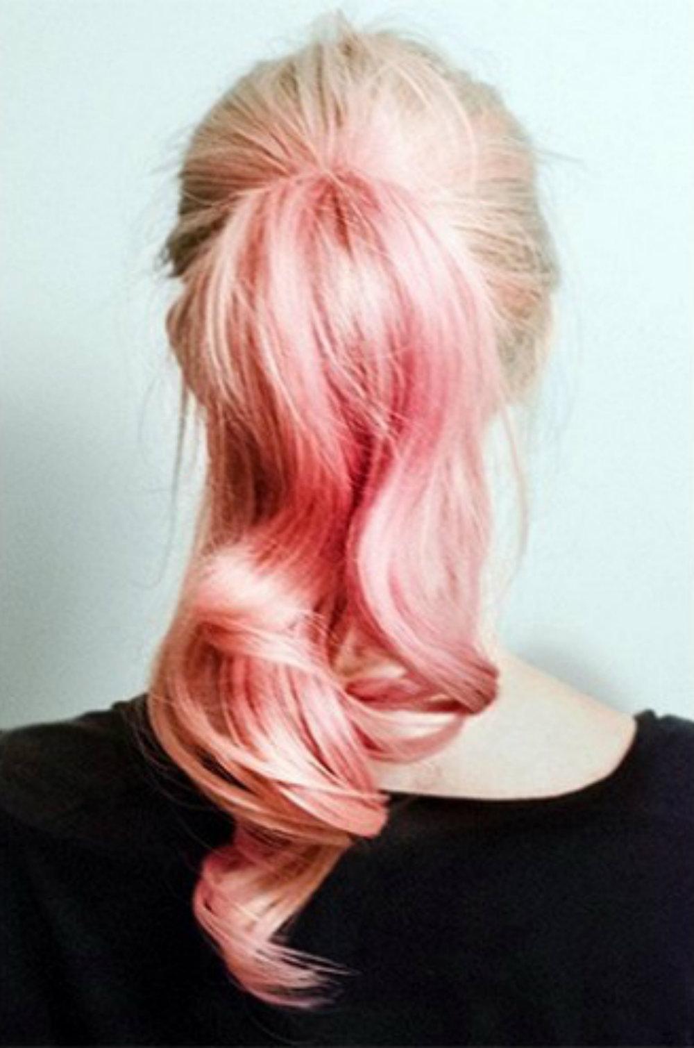 Прически с мелками для волос: фото 19