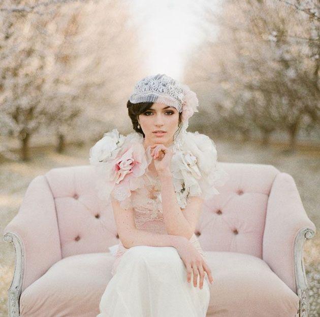 свадебные прически на короткие волосы: фото 27
