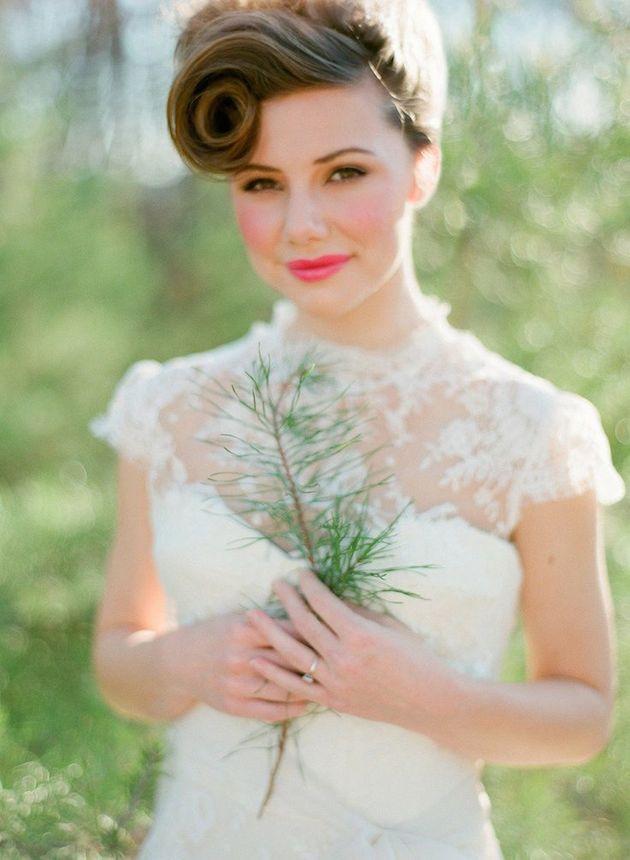 свадебные прически на короткие волосы: фото 8