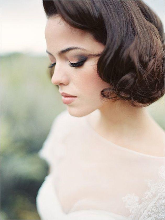 свадебные прически на короткие волосы: фото 24