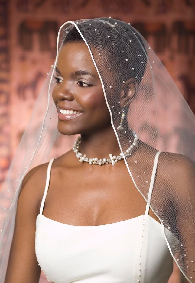 свадебные прически на короткие волосы: фото 31