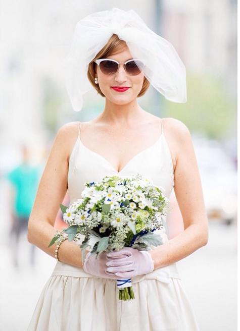 свадебные прически на короткие волосы: фото 19
