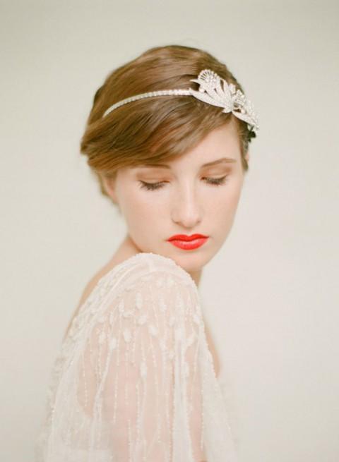 свадебные прически на короткие волосы: фото 37