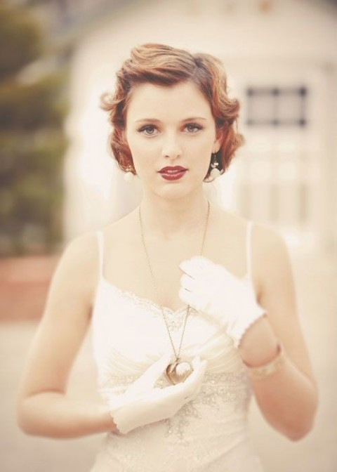 свадебные прически на короткие волосы: фото 38