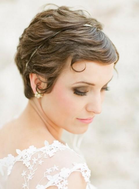 свадебные прически на короткие волосы: фото 62